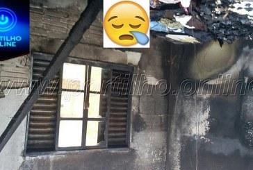 Família pobre pede sua ajuda. Casa pega fogo e fica toda queimada.