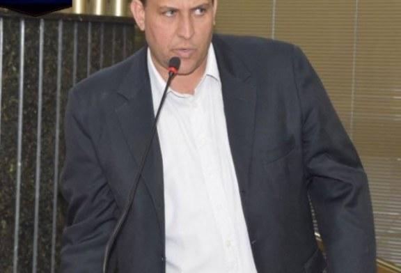 Vereador Ricardo Balila faz indicação de projeto de lei para acabar com moções de aplauso