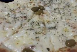 Domingão chuvoso pede uma pizza quentinha DI ROMA! Não é uma ótima ideia? Vem que hoje tem promoção !!!