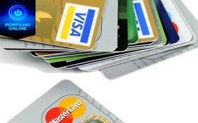 Cartões de crédito e dinheiro perdido