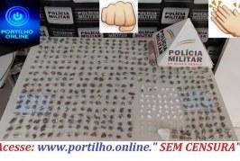 """👉 O CHICOTE ESTRALOU!!! 😱🤔😡😠👊✍🚨🚓 OCORRÊNCIAS POLICIAIS. """" MESA FARTA""""!!!!Polícia Militar apreende autor por tráfico de drogas."""